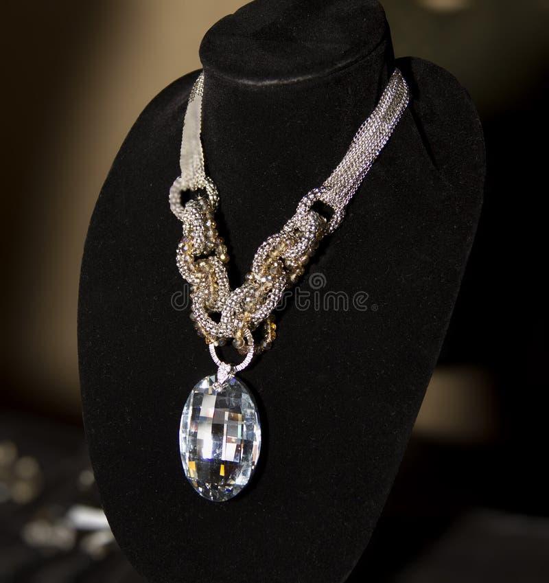 Ожерелье бутика аксессуаров моды женщин стоковые изображения rf