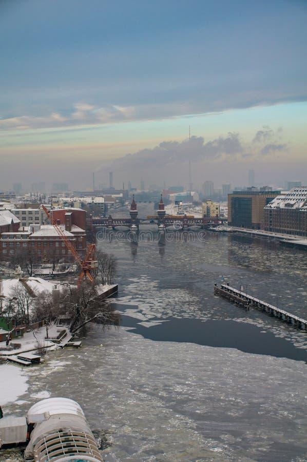 Оживление на Берлине в зимнем времени 3 стоковые изображения
