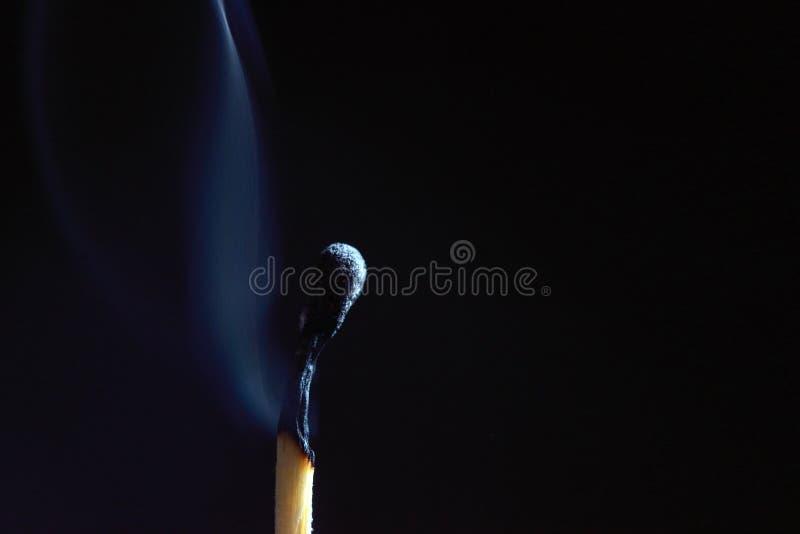 Ожога спички вне деревянные стоковое фото rf