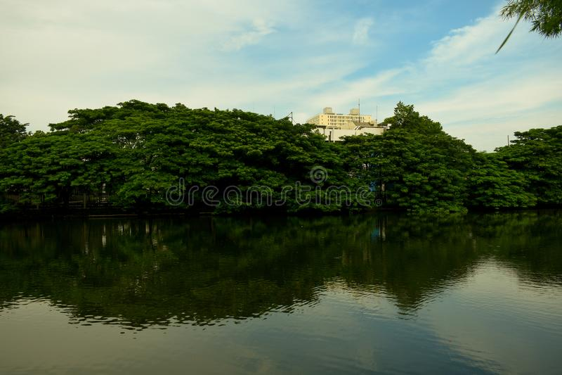Озера город стоковое изображение rf