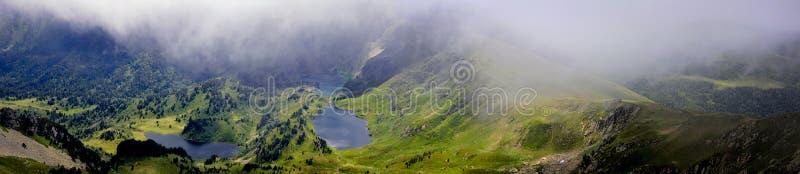 Озера и пруды Severals в Пиренеи стоковое изображение rf