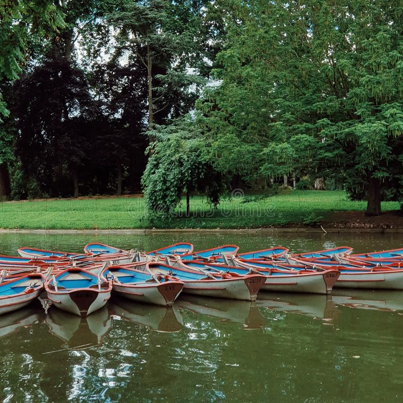 Озеро Винсенс в лесе vincennes, стороны est Парижа, Франции стоковое фото rf