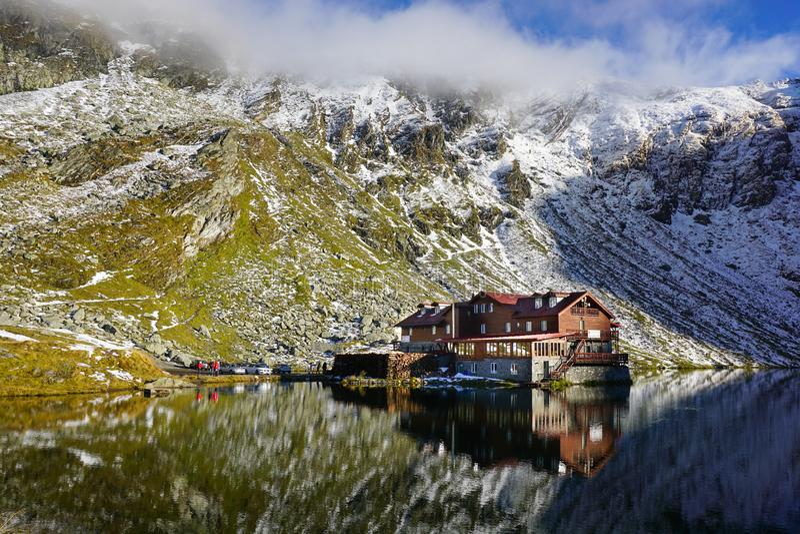 Озеро в горах Fagaras, Румыния Balea стоковые изображения rf