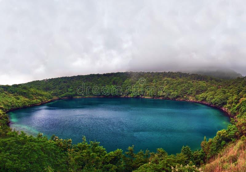 Озеро в Kirishima стоковое изображение