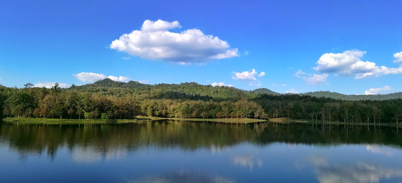 Озеро в saraburi Таиланде Pongkonsao стоковые изображения rf