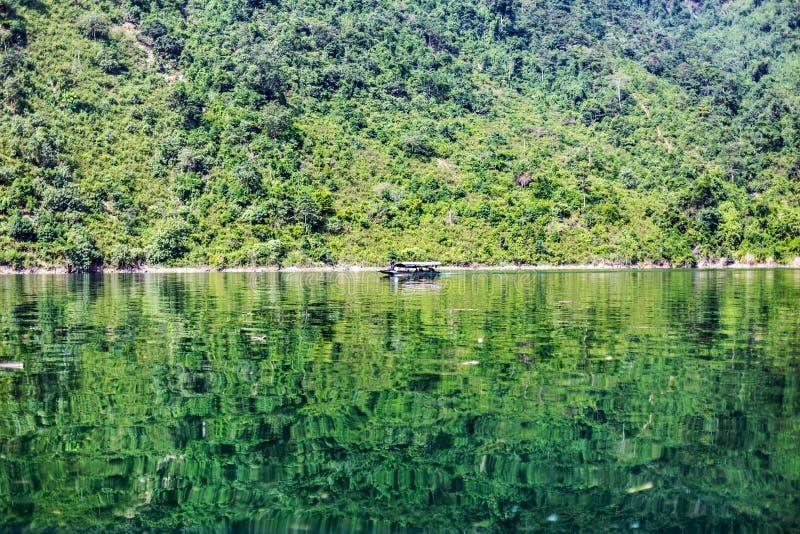 Озеро гидроэлектрическое стоковая фотография rf