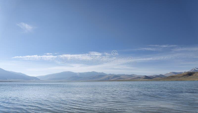 Озеро гор на утре стоковая фотография