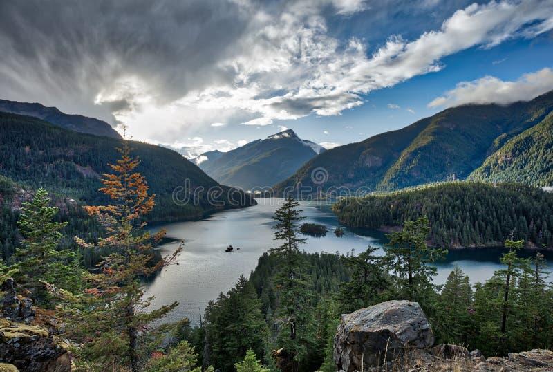 Озеро Диабло, северные каскады национальный парк, Вашингтон, США стоковые изображения rf