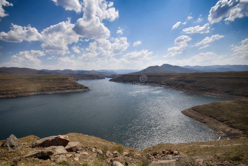 Озеро запруд Mohale в Лесото стоковые фото