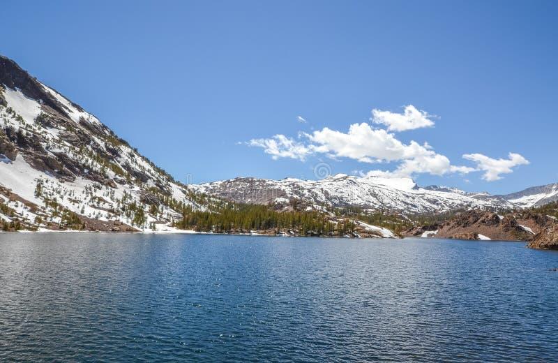 Озеро зеркал стоковое изображение