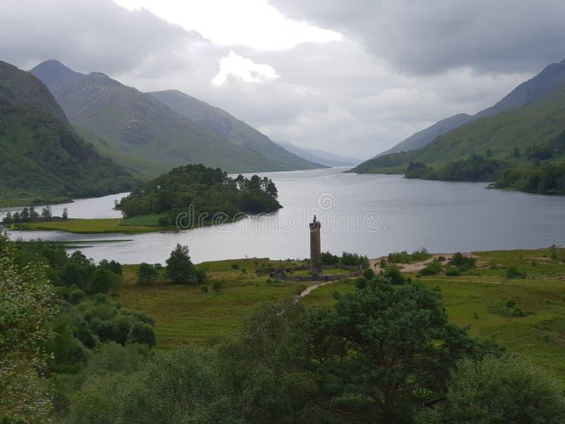 Озеро и держатель, природа glennfinnian стоковые фотографии rf