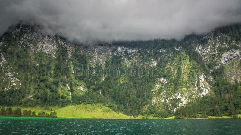 Озеро и облака Альп Германия стоковое изображение
