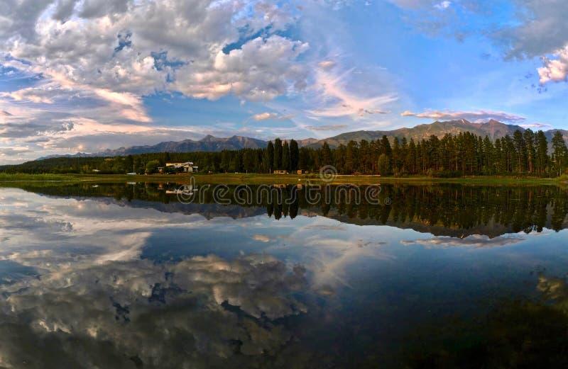 Озеро Колумби панорамного вида стоковые изображения