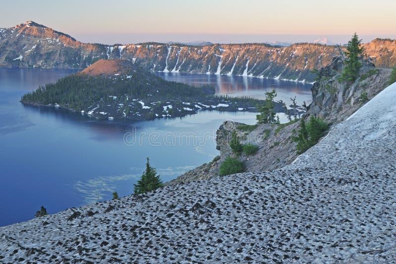 озеро кратера стоковое фото