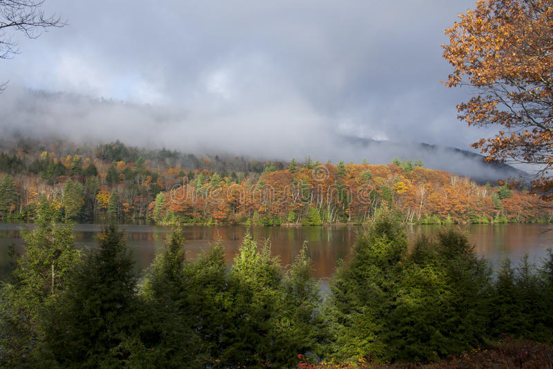 Озеро Мейн в осени стоковое фото