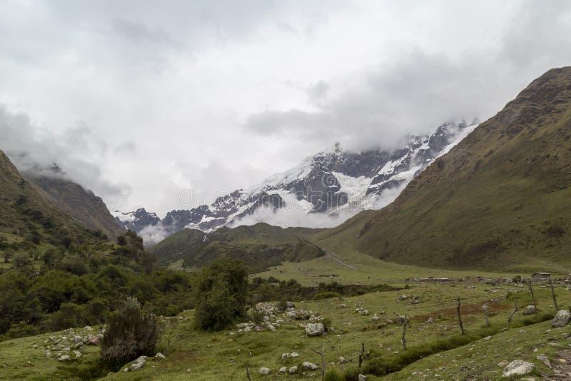 Озеро на треке Salkantay, Перу Humantay, расположенное в Кордильерах Vilcabamba, Cusco стоковое фото