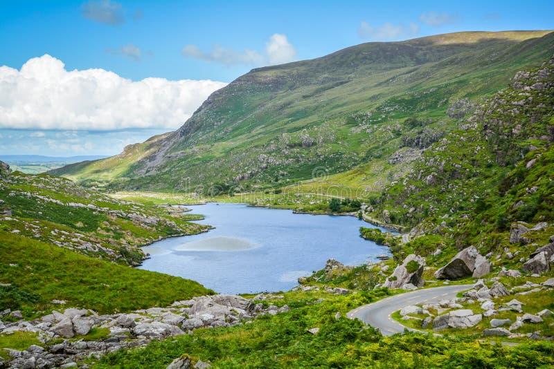 Озеро около зазора Dunloe, Керри графства, Ирландии стоковые фотографии rf
