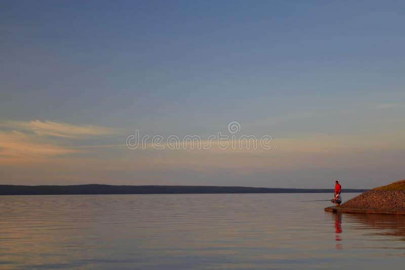 Озеро Онег на заходе солнца стоковая фотография