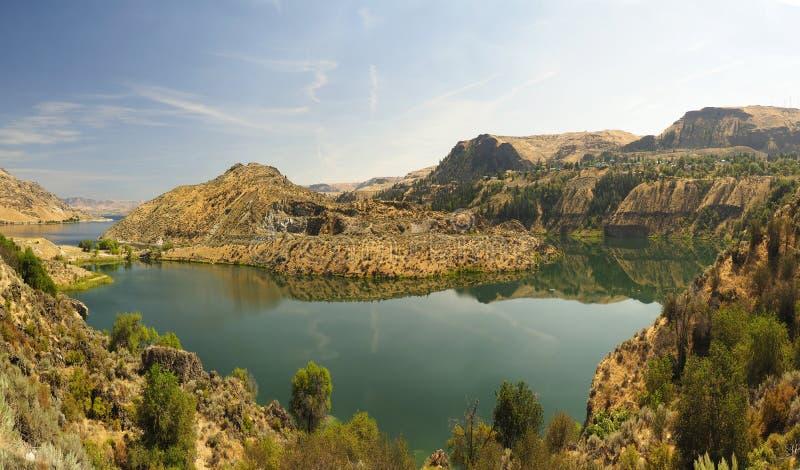 Озеро Рузвельт панорамы созданное грандиозной запрудой Coulee стоковое изображение rf