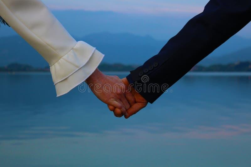 Озеро руки влюбленности стоковое изображение rf