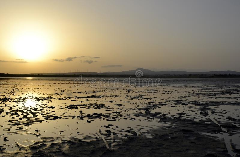 Озеро сол во время захода солнца стоковые изображения rf