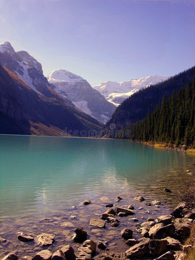 Download озеро стоковое фото. изображение насчитывающей ландшафт - 490164