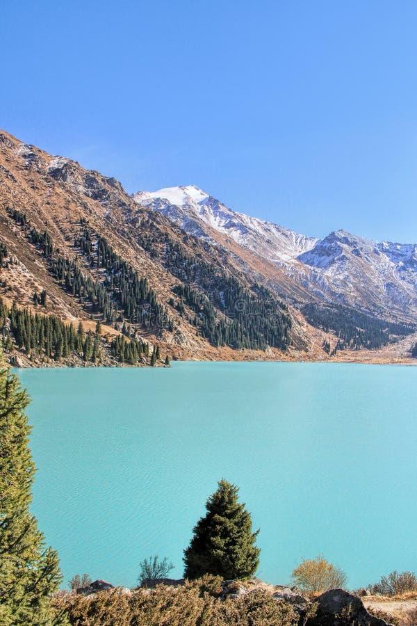 озеро almaty большое стоковая фотография rf