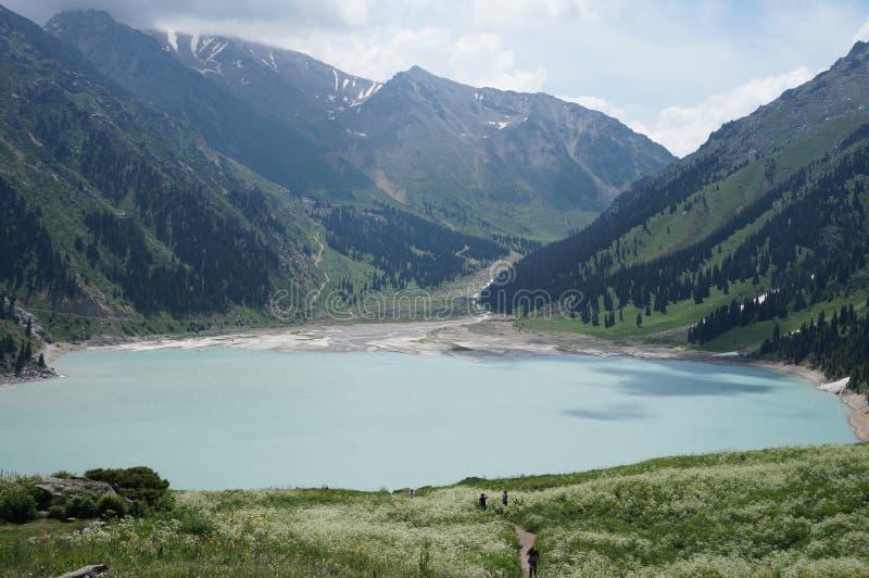 озеро almaty большое стоковое фото rf