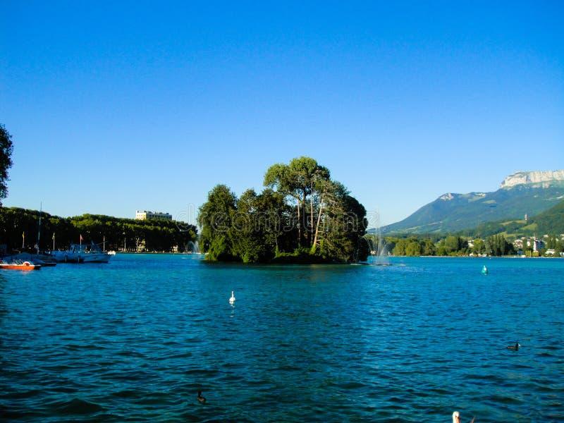 озеро annecy стоковые фотографии rf