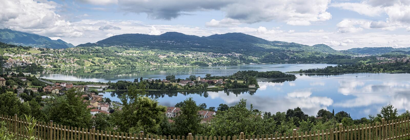 Озеро Annone стоковые фотографии rf