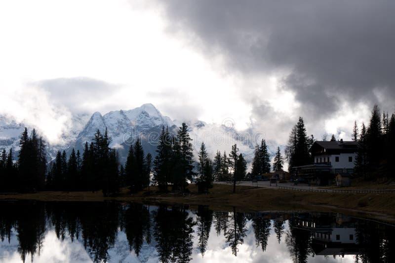 Озеро Antorno стоковое изображение