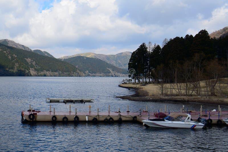 Озеро Ashi, национальный парк Фудзи-Hakone-Izu, Япония стоковые фотографии rf