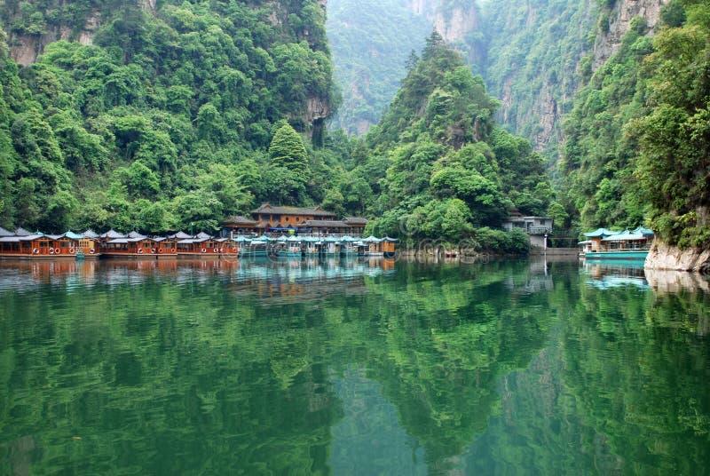 Озеро Baofeng в Zhangjiajie стоковое изображение