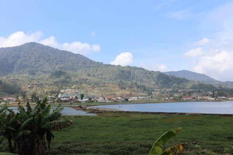 Озеро Buyan в Bedugul, Бали стоковые фото