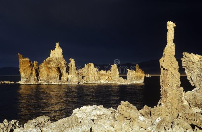 озеро california mono стоковая фотография rf