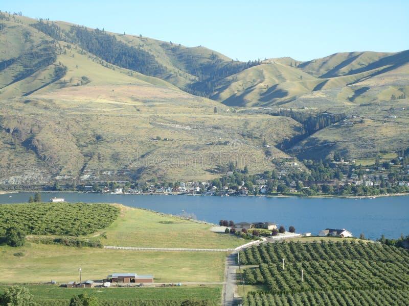 Озеро Chelan сверху стоковое фото