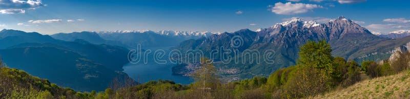 Озеро Como как увидено от следа hikitg к Corni di Canzo стоковые изображения rf