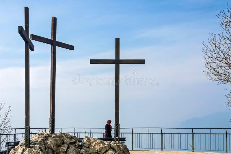 ОЗЕРО COMO, ITALY/EUROPE - 21-ОЕ ФЕВРАЛЯ: 3 креста на VOL. стоковое изображение