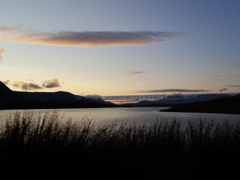 Озеро Connemara к ноча стоковая фотография