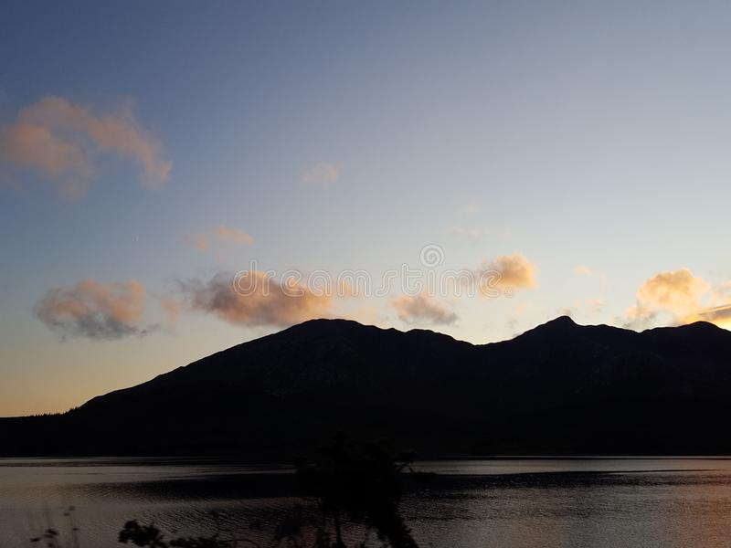 Озеро Connemara к ноча стоковые фото