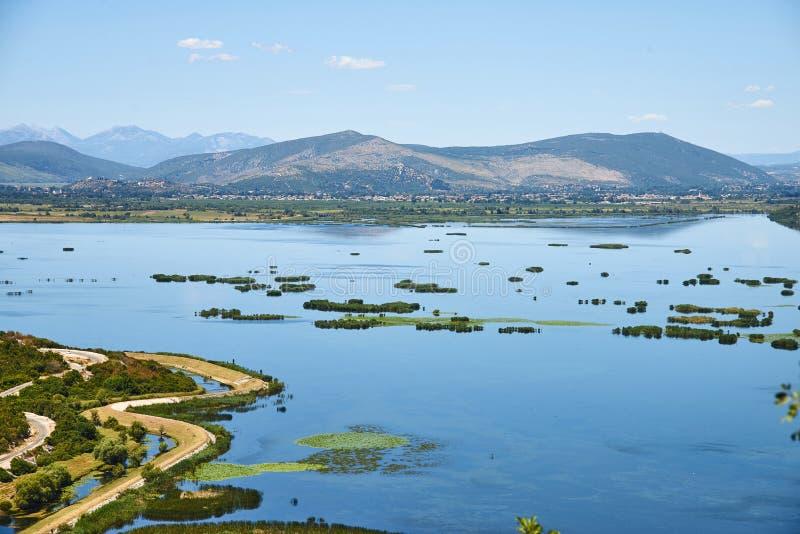 Озеро Deransko, природный парк Hutovo Blato около Мостара стоковые изображения