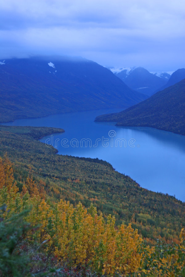 озеро eklutna Аляски стоковые изображения