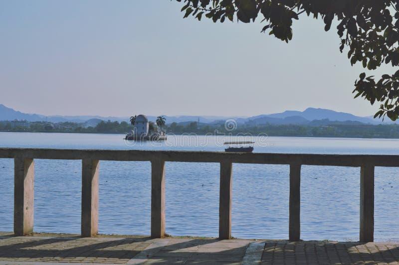 Озеро Fateh sagar стоковые изображения rf