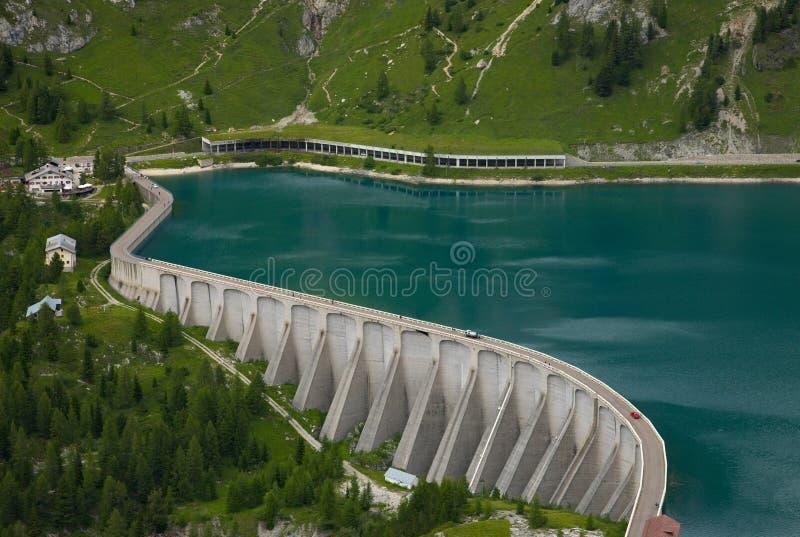 Озеро Fedaia стоковые фото