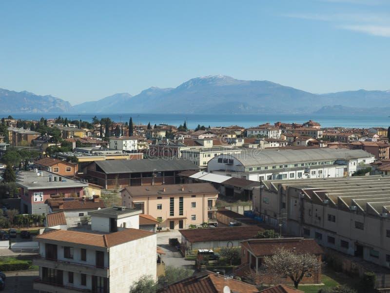 Озеро Garda в Desenzano Del Garda стоковые фотографии rf