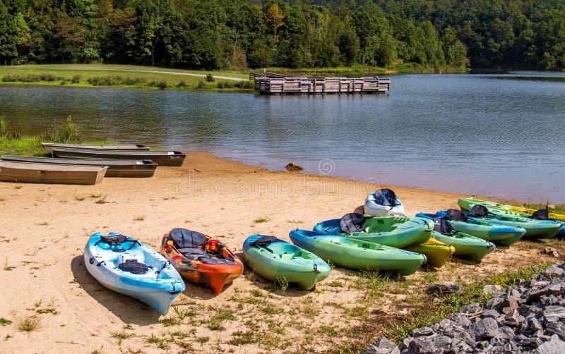 Озеро Hampton в Yadkinville, Северной Каролине стоковые изображения rf