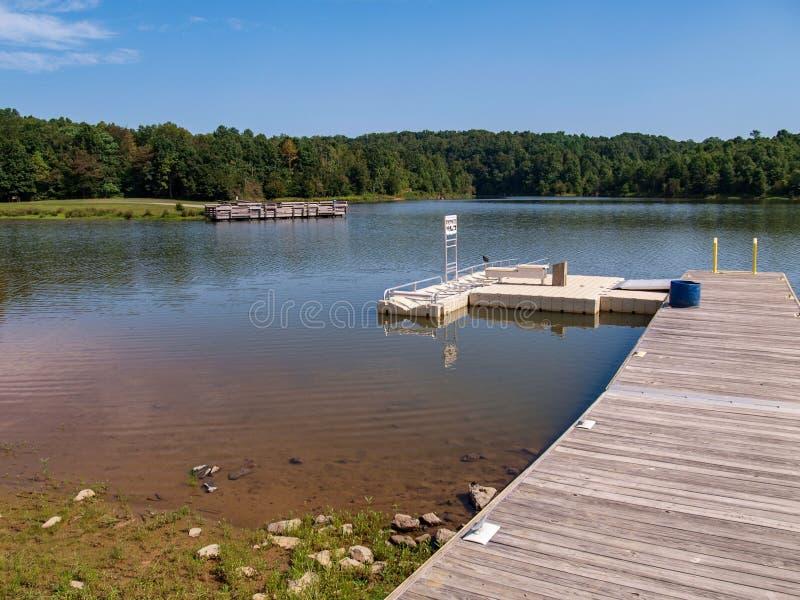Озеро Hampton в Yadkinville, Северной Каролине стоковое изображение