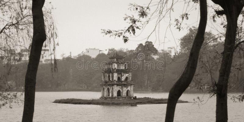 Озеро Hoan Kiem, ориентир Ханоя, Вьетнама стоковая фотография