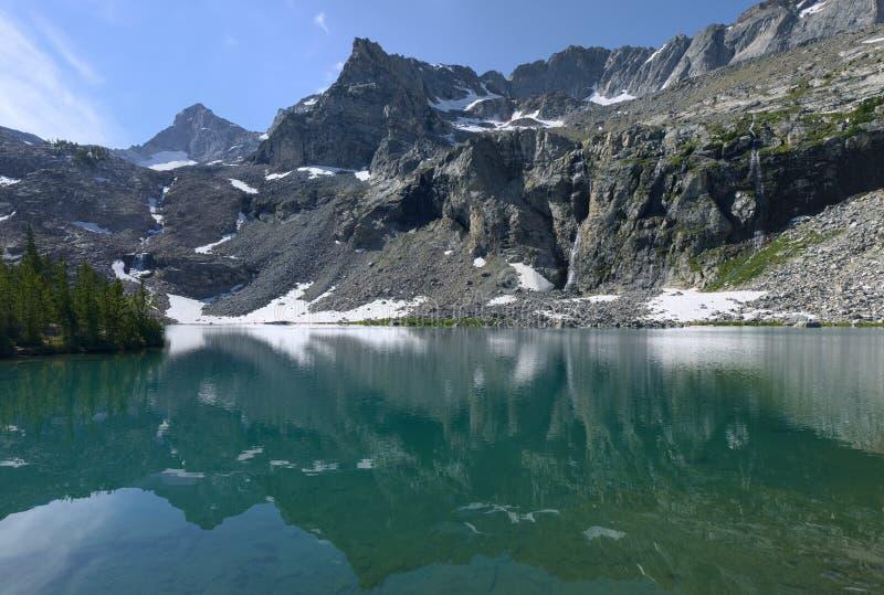 Озеро Kane в пионерских горах Айдахо стоковое фото rf
