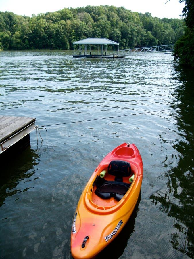 озеро kayak стоковое фото rf